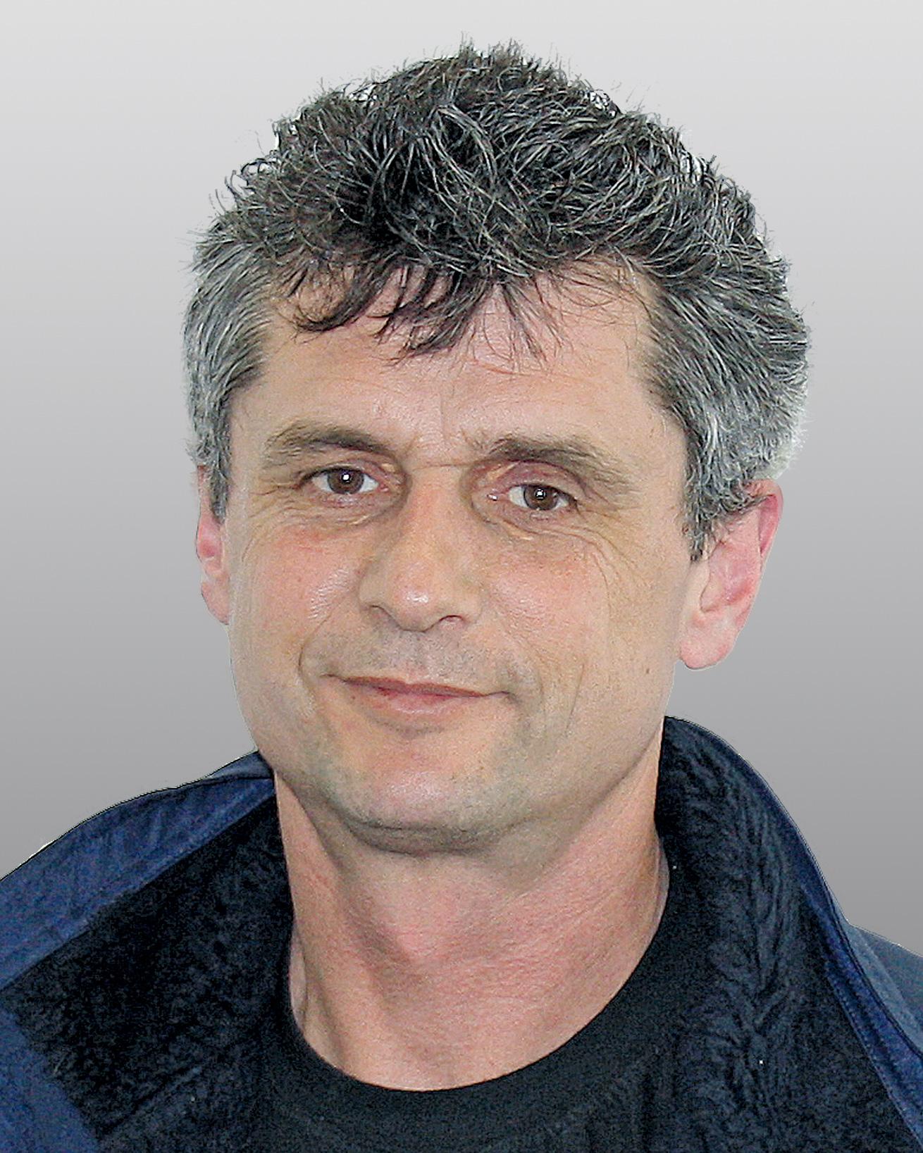 <b>...</b> <b>Peter Rasch</b> Technischer Außendienst p.rasch@esta.com - 1